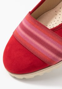 Gabor - Ballet pumps - cherry - 2
