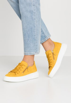 Sneakersy niskie - sun
