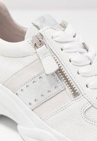 Gabor - Sneakers - weiß/agento - 2
