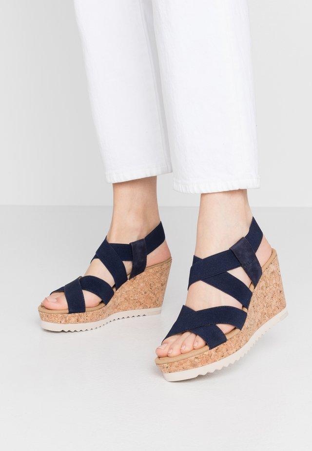 Højhælede sandaletter / Højhælede sandaler - bluette