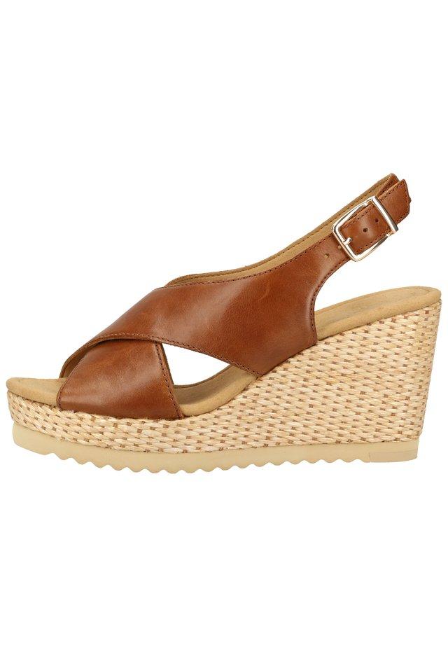 SANDALEN - Sandalen met hoge hak - peanut 24