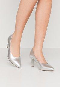 Gabor - Classic heels - silber - 0