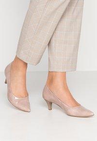 Gabor - Classic heels - antikrosa - 0