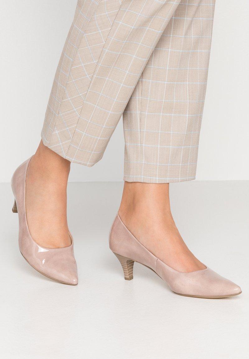 Gabor - Classic heels - antikrosa