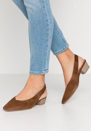 Classic heels - new whiskey