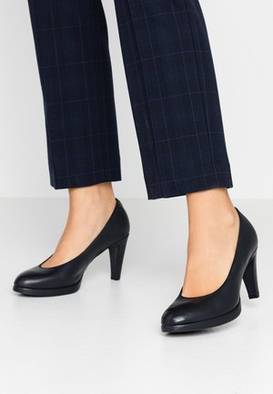 High heels - night