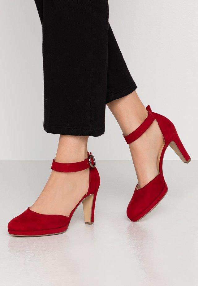Platform heels - cherry