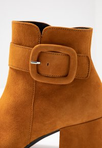 Gabor - Ankle boot - curry - 2