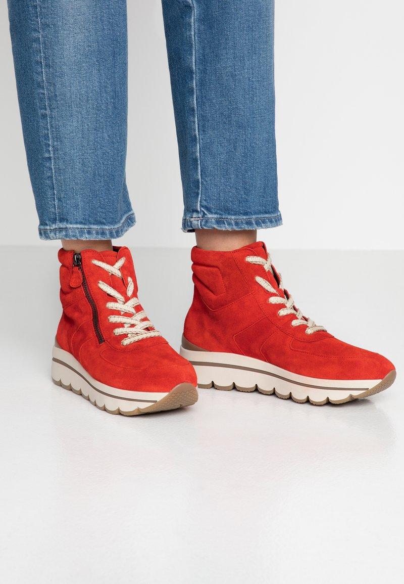 Gabor - Sneaker high - rot