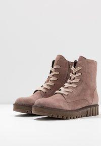 Gabor - Kotníkové boty na platformě - dark rose - 4