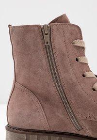 Gabor - Kotníkové boty na platformě - dark rose - 2