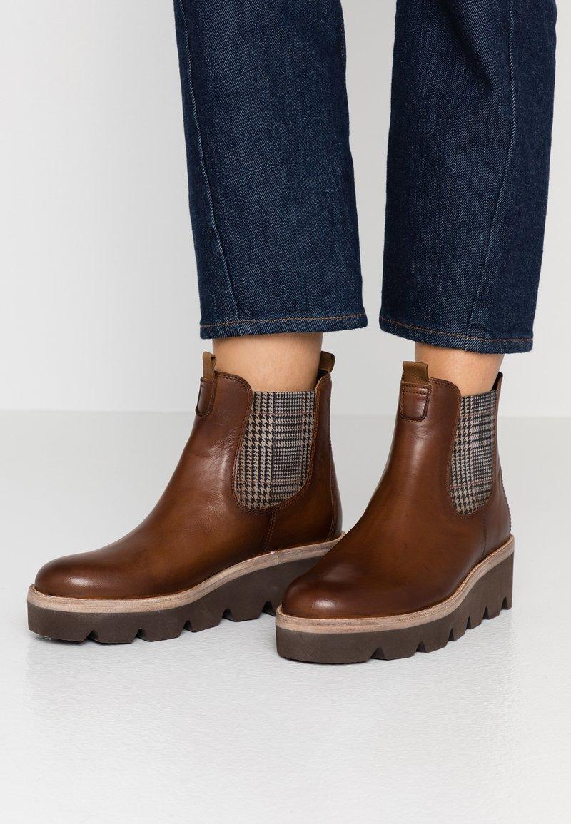 Gabor - Kotníkové boty na klínu - sattel