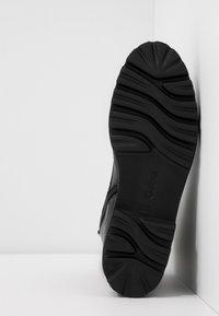 Gabor - Kotníkové boty na platformě - schwarz - 6