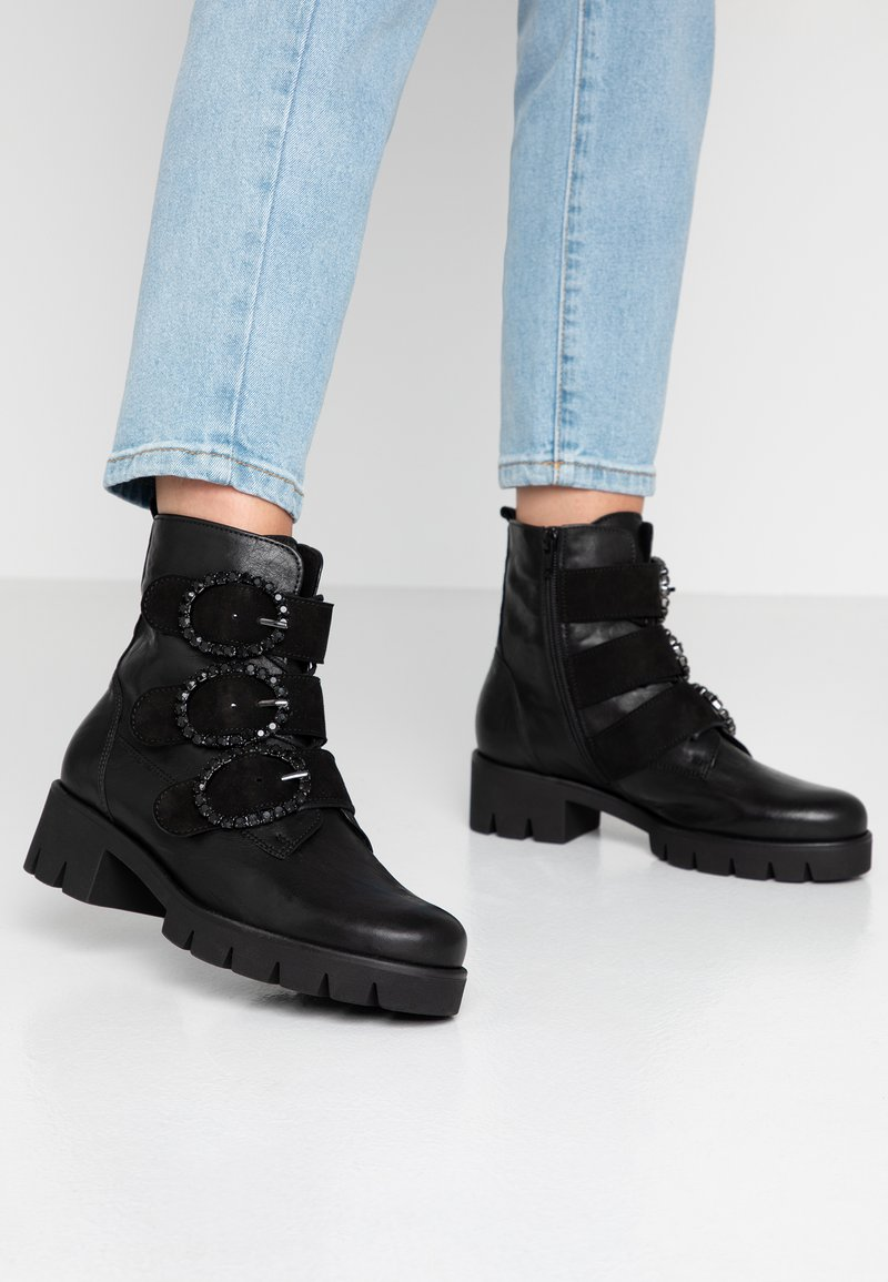 Gabor - Lace-up ankle boots - schwarz