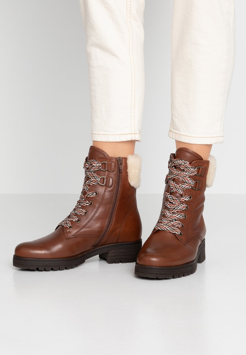 Gabor - WIDE FIT - Lace-up ankle boots - caramello