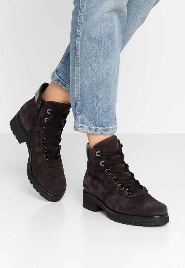WIDE FIT - Korte laarzen - dark grey/schwarz
