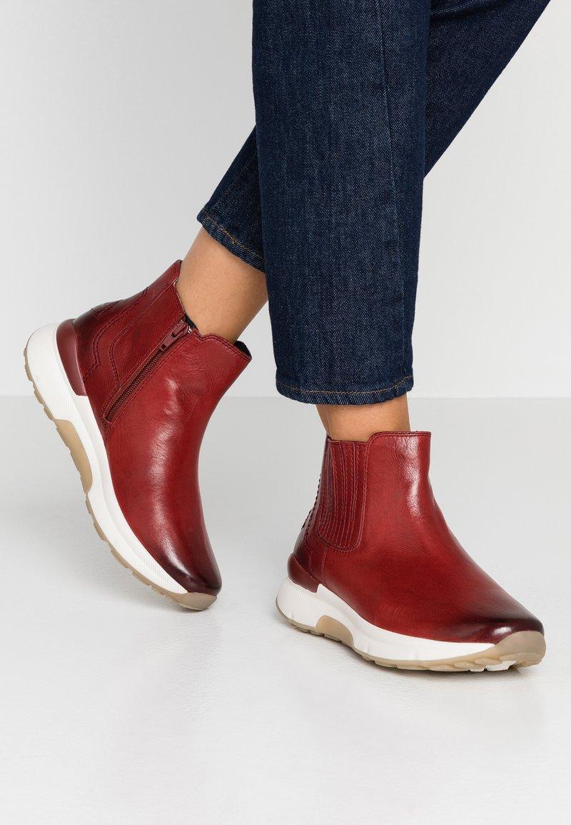 Gabor - ROLLING SOFT - Kotníková obuv - dark red