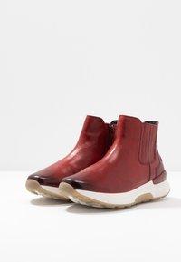 Gabor - ROLLING SOFT - Kotníková obuv - dark red - 4