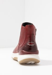 Gabor - ROLLING SOFT - Kotníková obuv - dark red - 5