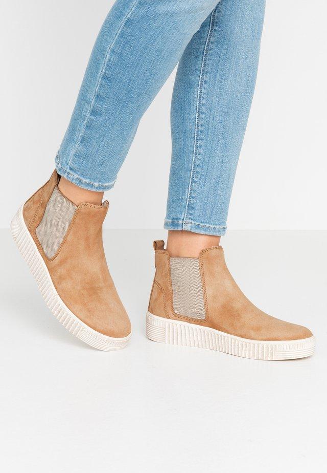 Ankle Boot - desert