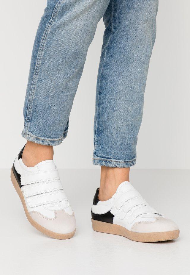 Sneakersy niskie - vanille/weiß/schwarz