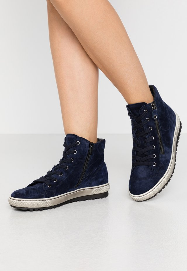 Sneakers high - marine