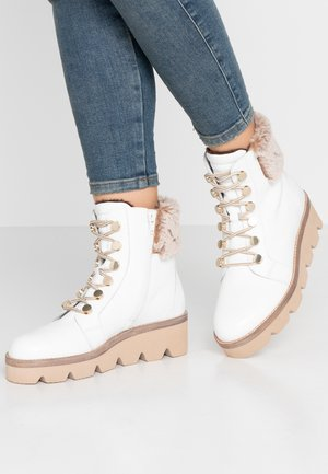 Wedge Ankle Boots - weiß/beige