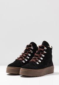Gabor - Winter boots - schwarz/natur - 4