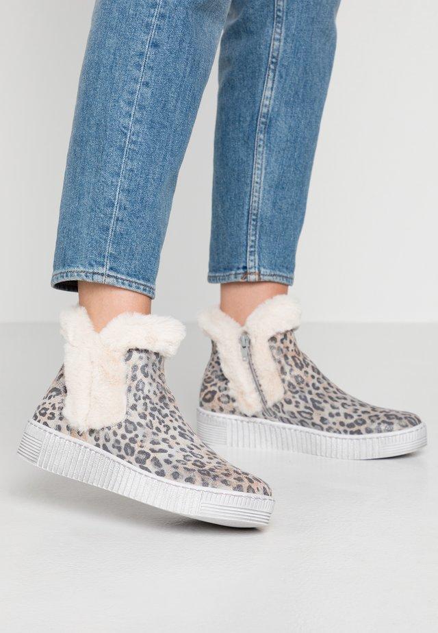 Korte laarzen - dust/panna/weiß