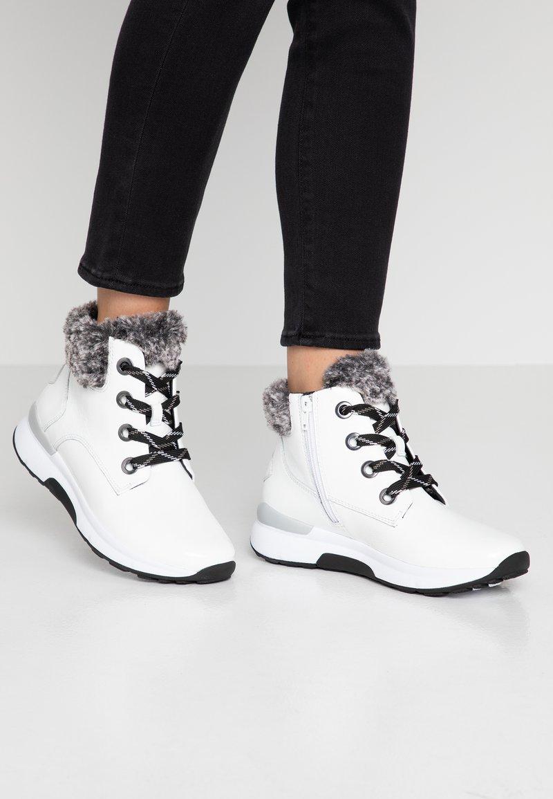 Gabor - ROLLING SOFT - Korte laarzen - weiß