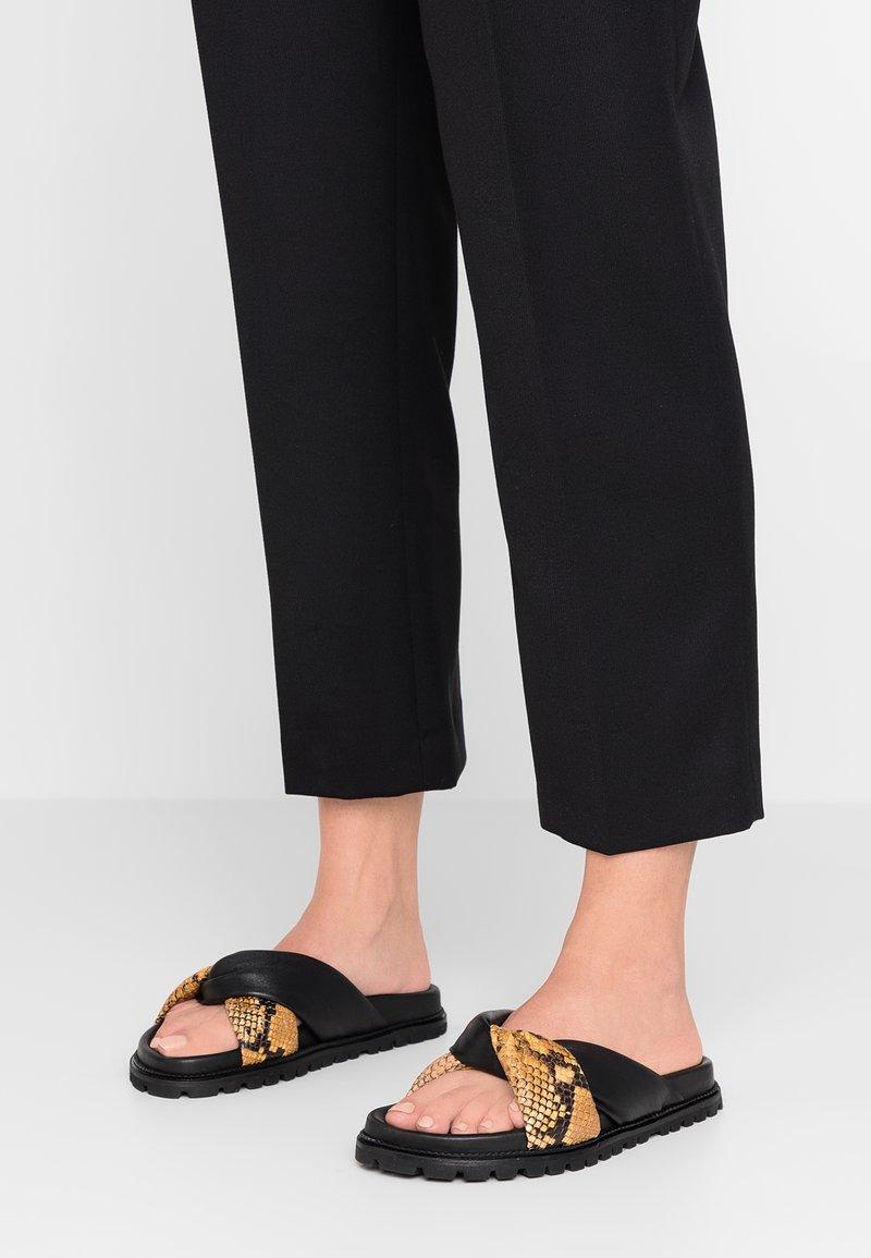 Gardenia - BELLIS SOFTANIL - Pantolette flach - yellow