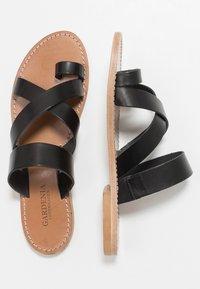 Gardenia - TESSA FLORIDA CLASSIC - T-bar sandals - black - 3
