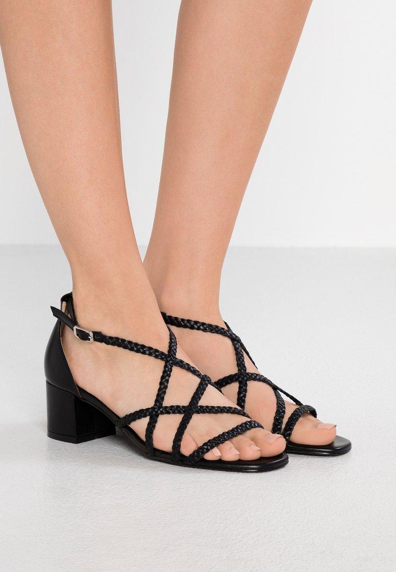Gardenia - VARETIA TRENZADO NEPAL - High heeled sandals - black