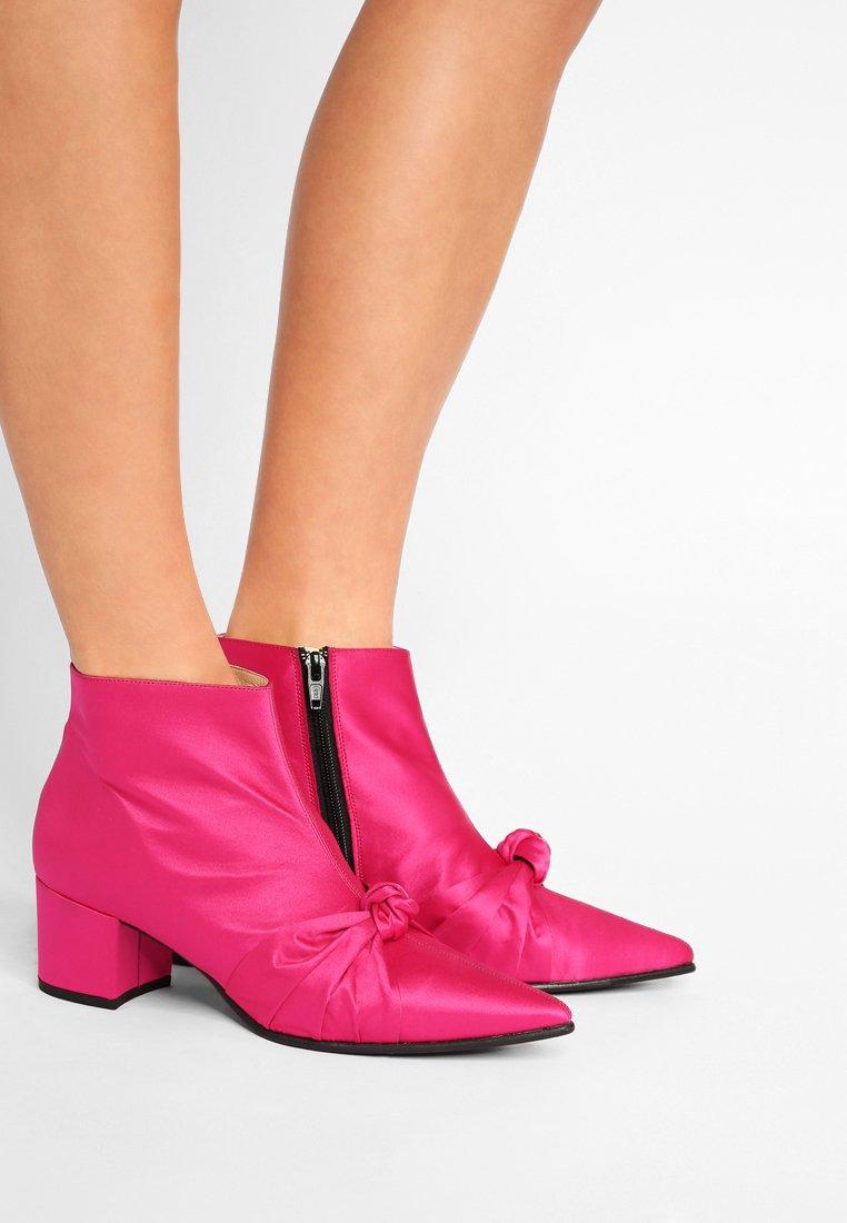 Gardenia - GIZLA - Ankle boots - pink