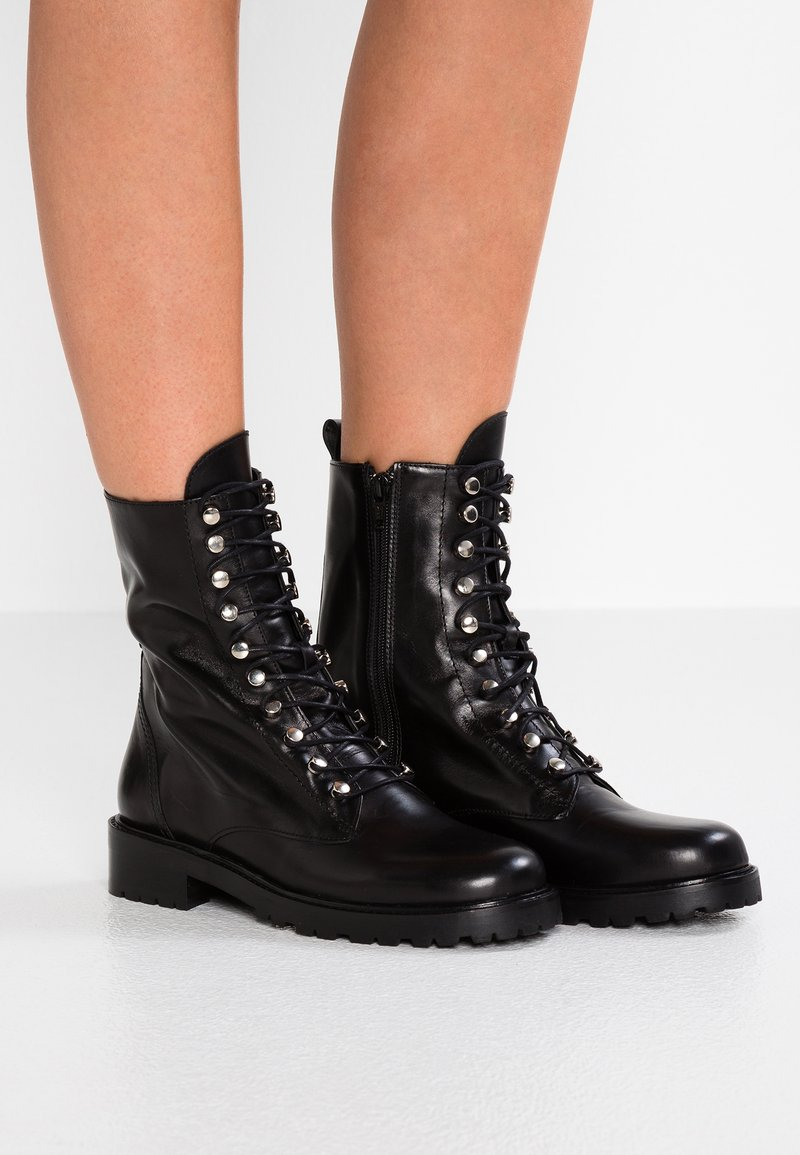 Gardenia - LOS ANGELES - Lace-up ankle boots - black