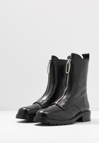 Gardenia - LUCA - Classic ankle boots - black - 4