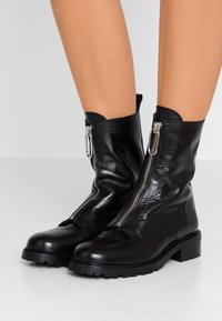Gardenia - LUCA - Classic ankle boots - black - 0