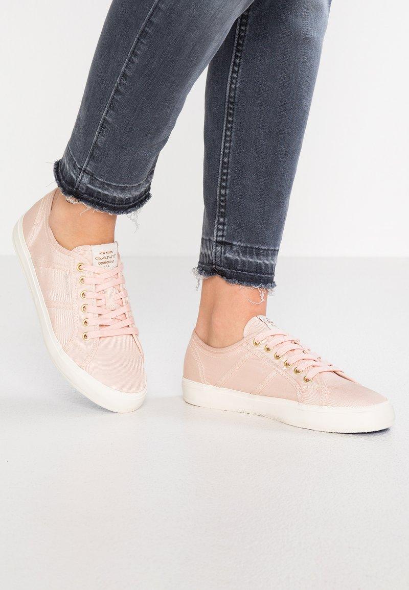 GANT - ZOEE - Sneaker low - silver/pink