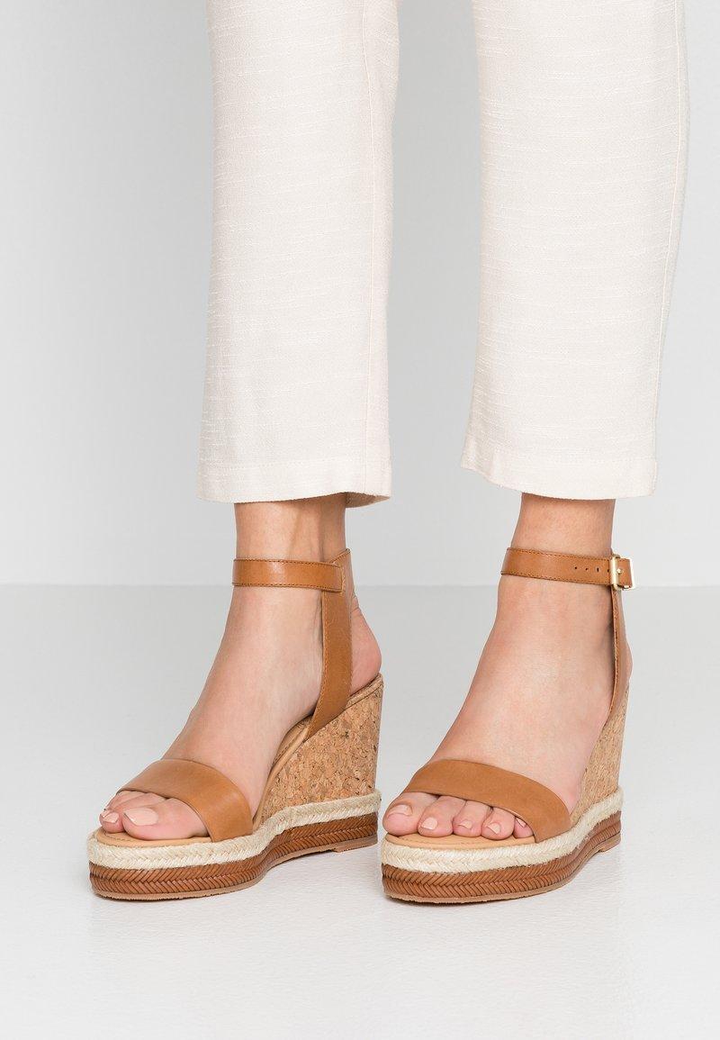 GANT - SAN DIEGO - High heeled sandals - cognac