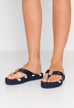 BART - T-bar sandals - marine