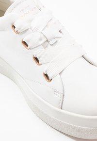 GANT - AVONA - Tenisky - bright white/ rose gold - 2
