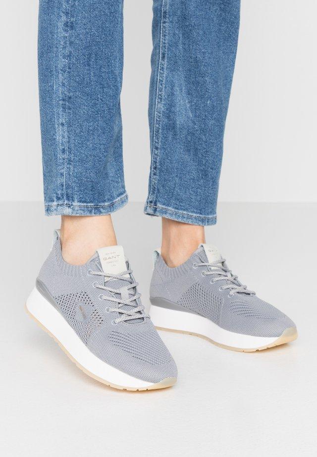 BEVINDA - Sneakers - steel gray