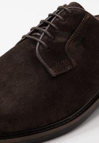 GANT - AKRON - Derbies & Richelieus - dark brown - 5