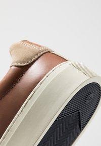 GANT - DENVER - Sneakers - cognac - 5