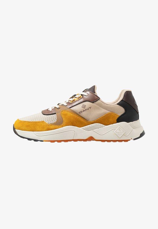 PORTLAND - Sneakers - brown