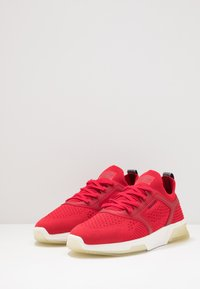 GANT - HIGHTOWN - Baskets basses - bright red - 2