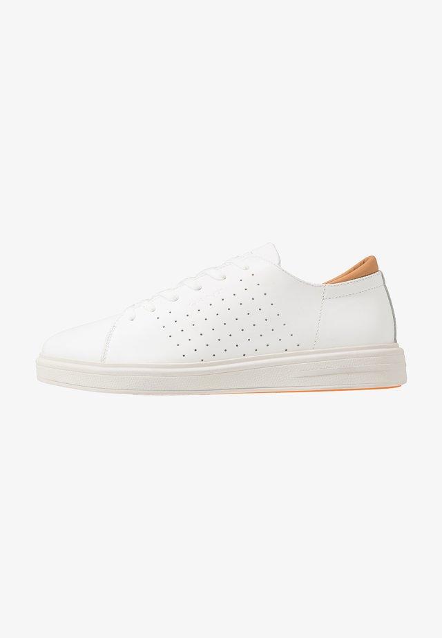 FAIRVILLE - Sneaker low - white