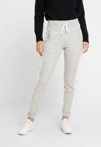 GANT - ICON PANTS - Tracksuit bottoms - light grey - 0
