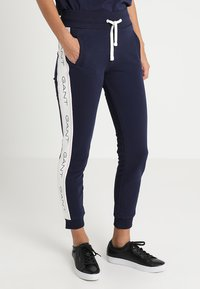 GANT - ICON PANTS - Träningsbyxor - evening blue - 0