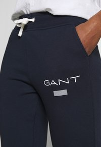 GANT - Joggebukse - evening blue - 4